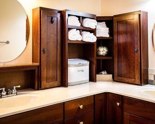 bathroom-sinks-mirrors-medicine-cabinet