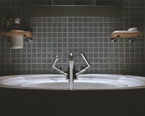 bathroom-sink-faucet-tap